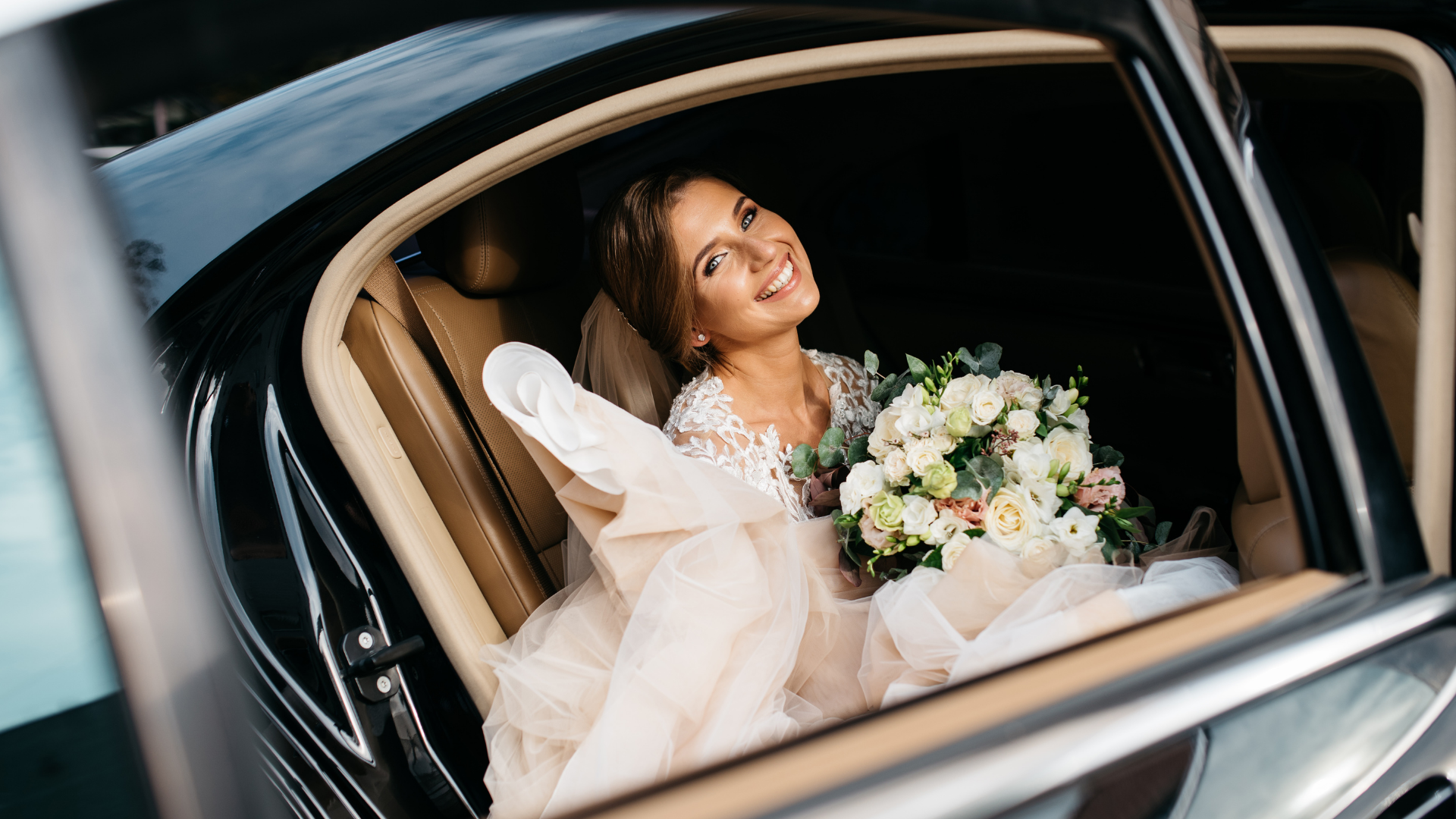 Wedding limos ensure that you and your loved ones arrive to your wedding safely and on time. When booking your wedding limos in Palermo, be sure to read reviews from past clients to find a company that's professional and reputable. Along with your wedding limos, consider booking shuttles to help transport your guests, as well.