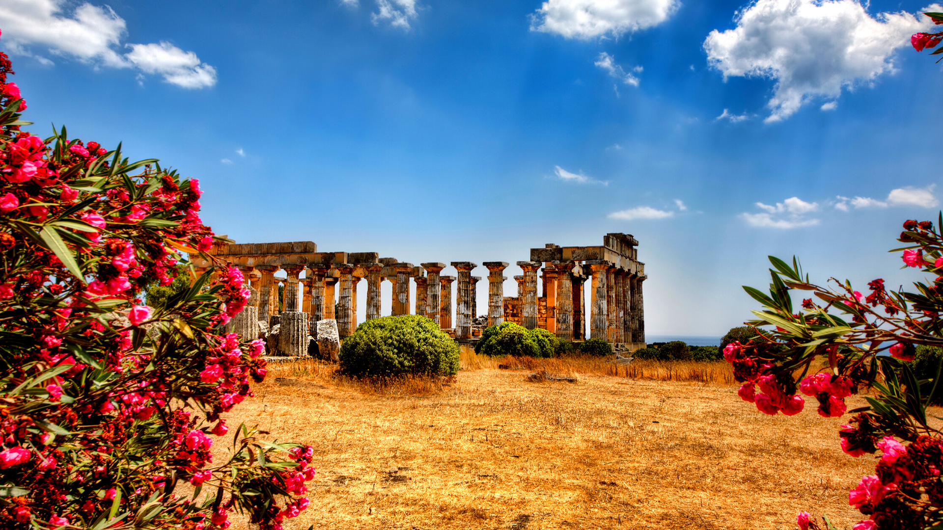 Chauffeur driven tours for Palermo and the Sicily. Travel to Sicily in a luxury chauffeur car.